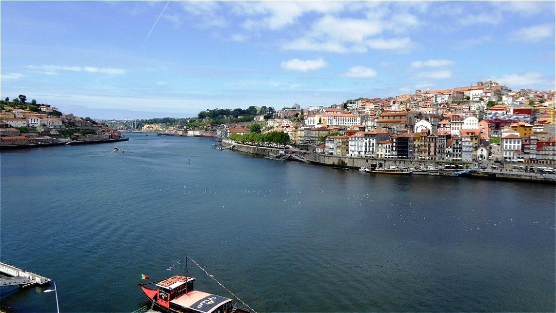 Der Douro kurz vor der Mündung in den Atlantik