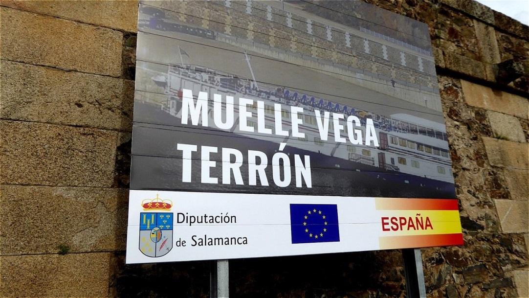 Unser Schiff liegt im spanischen Flusshafen von Muelle Vega Terrón