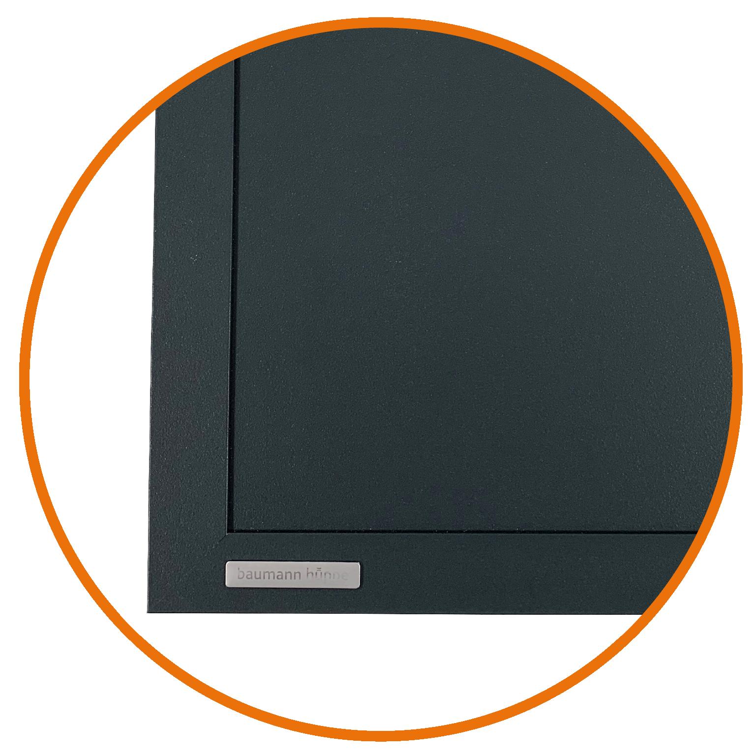 Modèle présenté : ISOS CLASSIC panneau lisse.