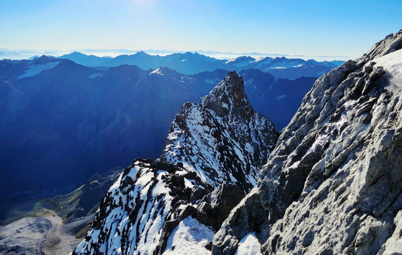 Blick zurück auf die Signalkopf (3.725m)