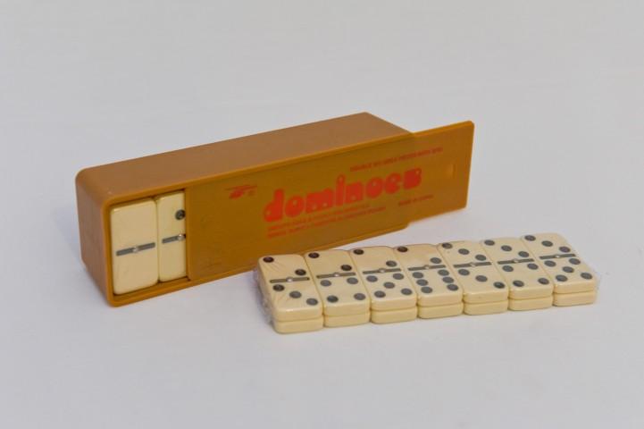 ΚΩΔ: 5008 Ντόμινο κασετίνα πλαστική  Διαστάσεις: 50x25x10cm