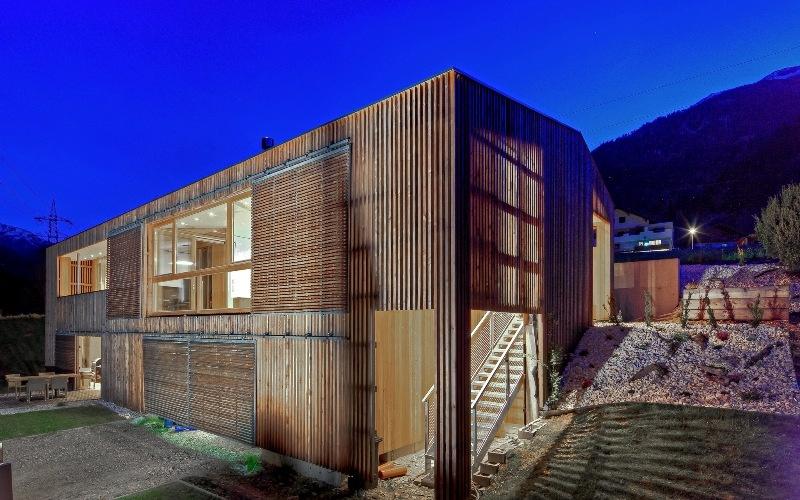 https://0501.nccdn.net/4_2/000/000/071/260/Architekt-SUNTINGER-Haus-N-S---022klein---fotoretter-800x500.jpg
