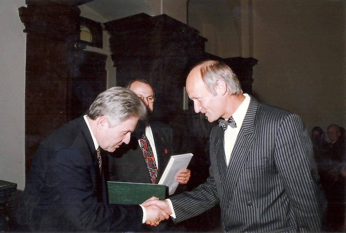 Ernennung zum definitiven Leiter der HS Friedburg durch LH Josef Pühringer - 1976