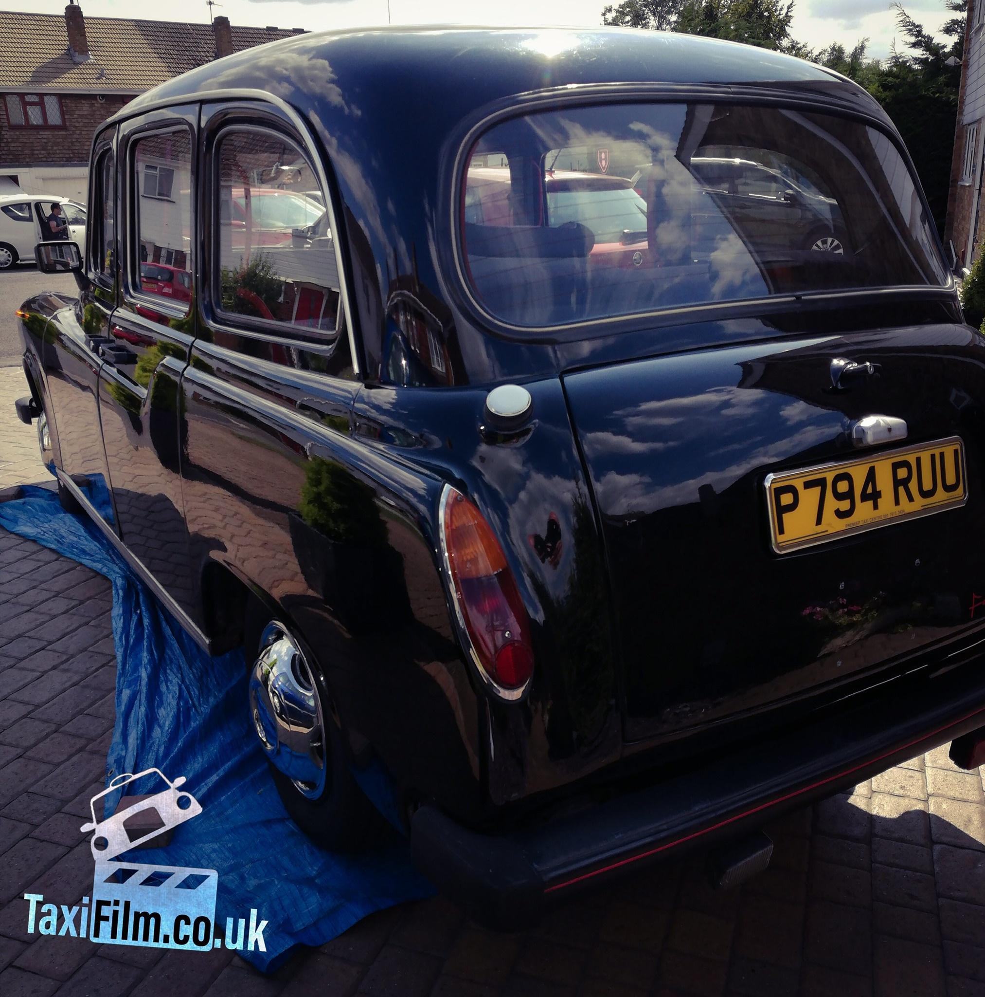 Black Fairway Driver Taxi 1996, Kent ref F0105