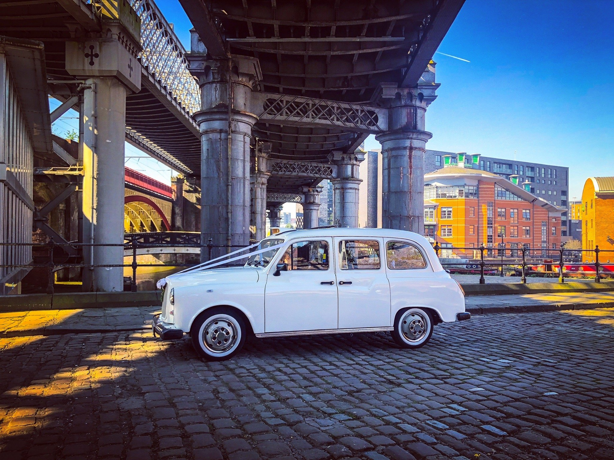 Wedding taxis castlefield cabs cars