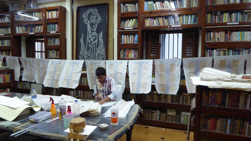 Restaurierung alter Bücher