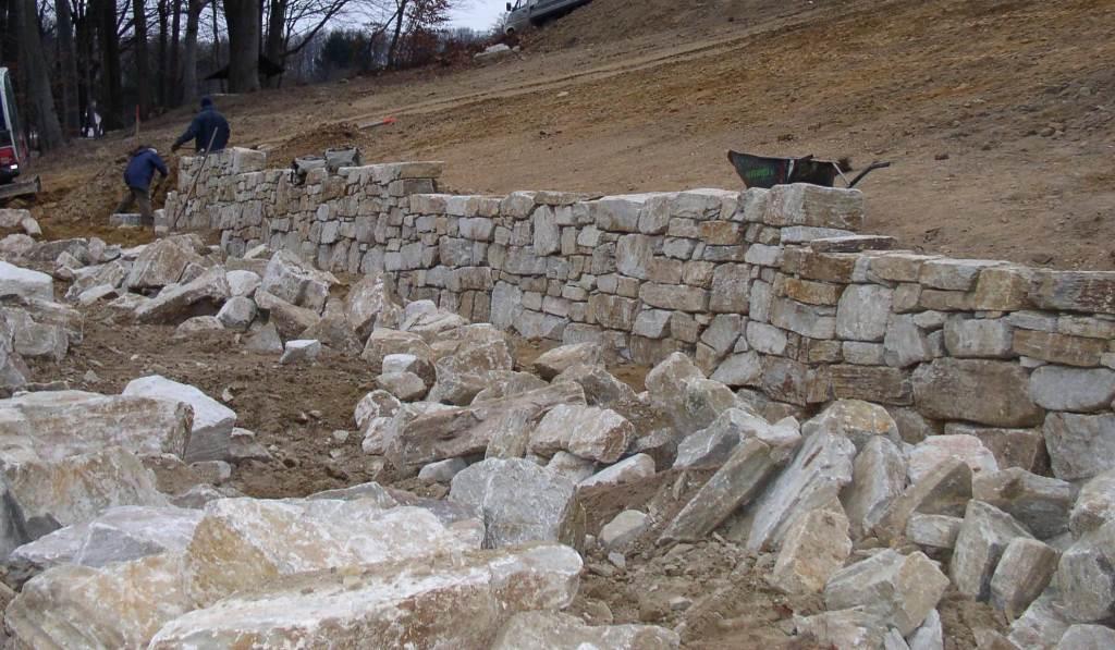 Wurfsteine mit gerader Kante und Trockenmauersteine