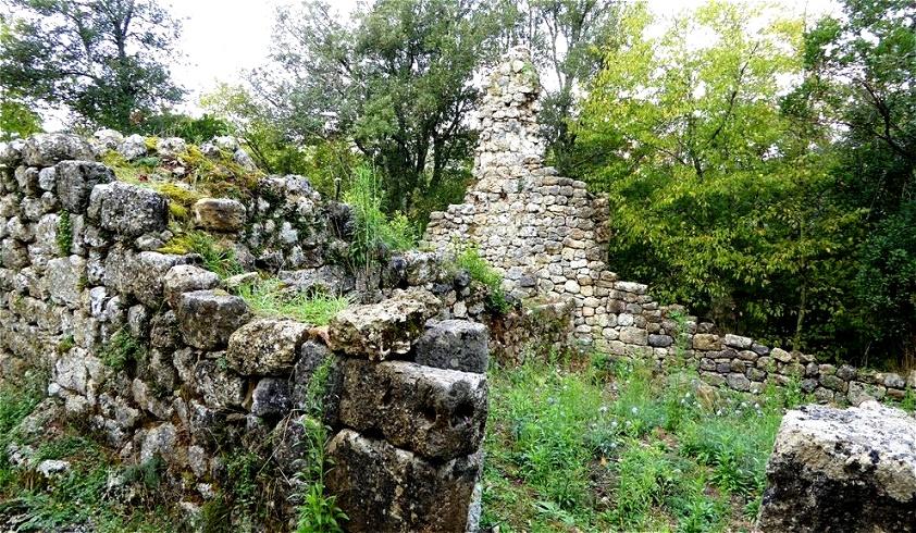 Bis ins 16. Jh. wurde Castelvecchio  noch von Holzfällern, Kohlenarbeitern und Schäfern genutzt