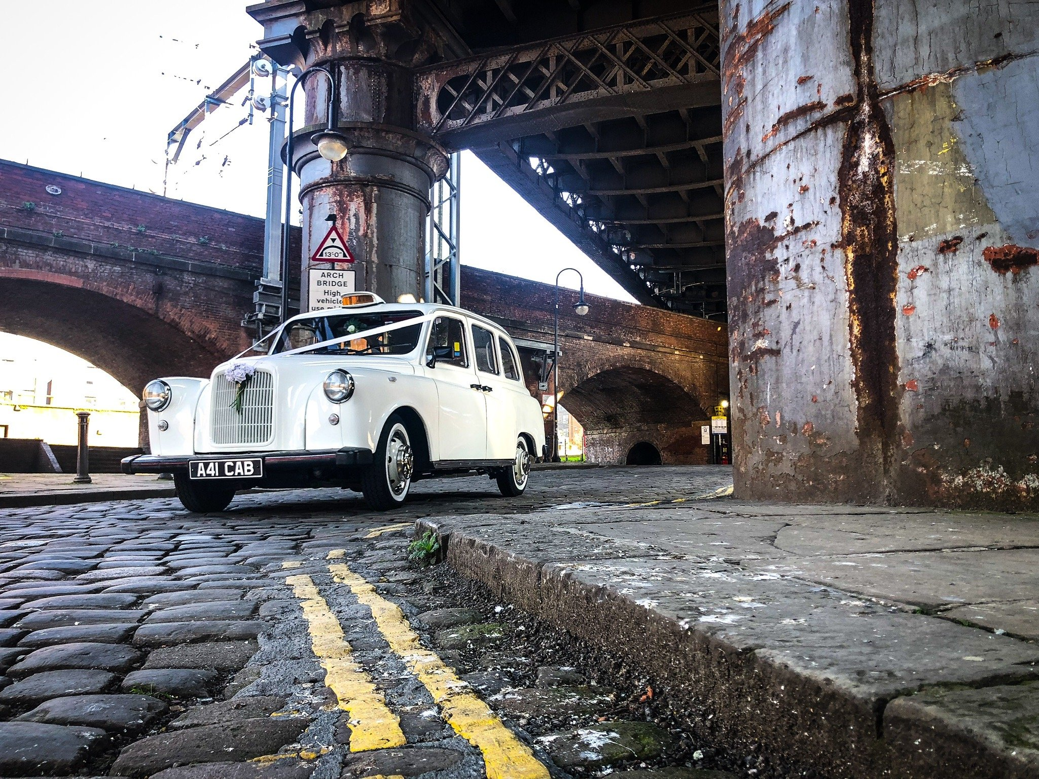 Manchester wedding cabs taxis cars