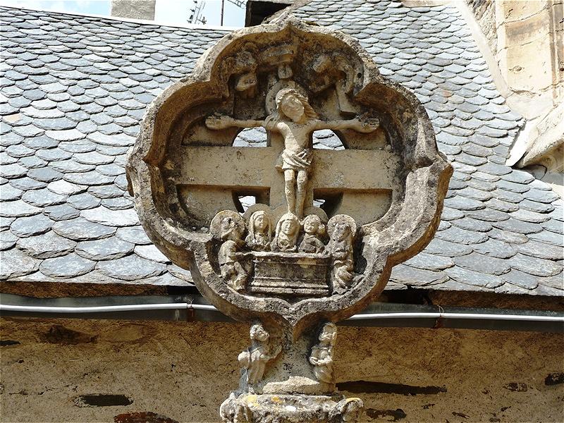 Altes Steinkreuz - der Jakobsweg führt von hier aus den Lot abwärts bis Cahors