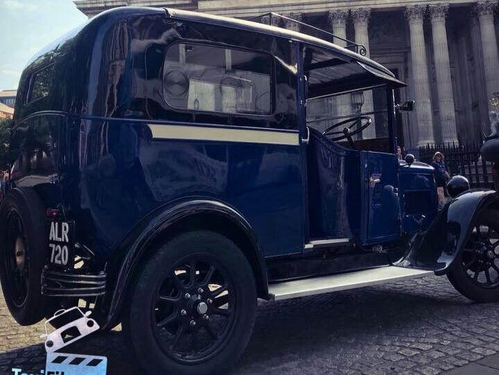 Blue / Black Austin London Taxi 1933, Cape body 1of2, York ref B0301