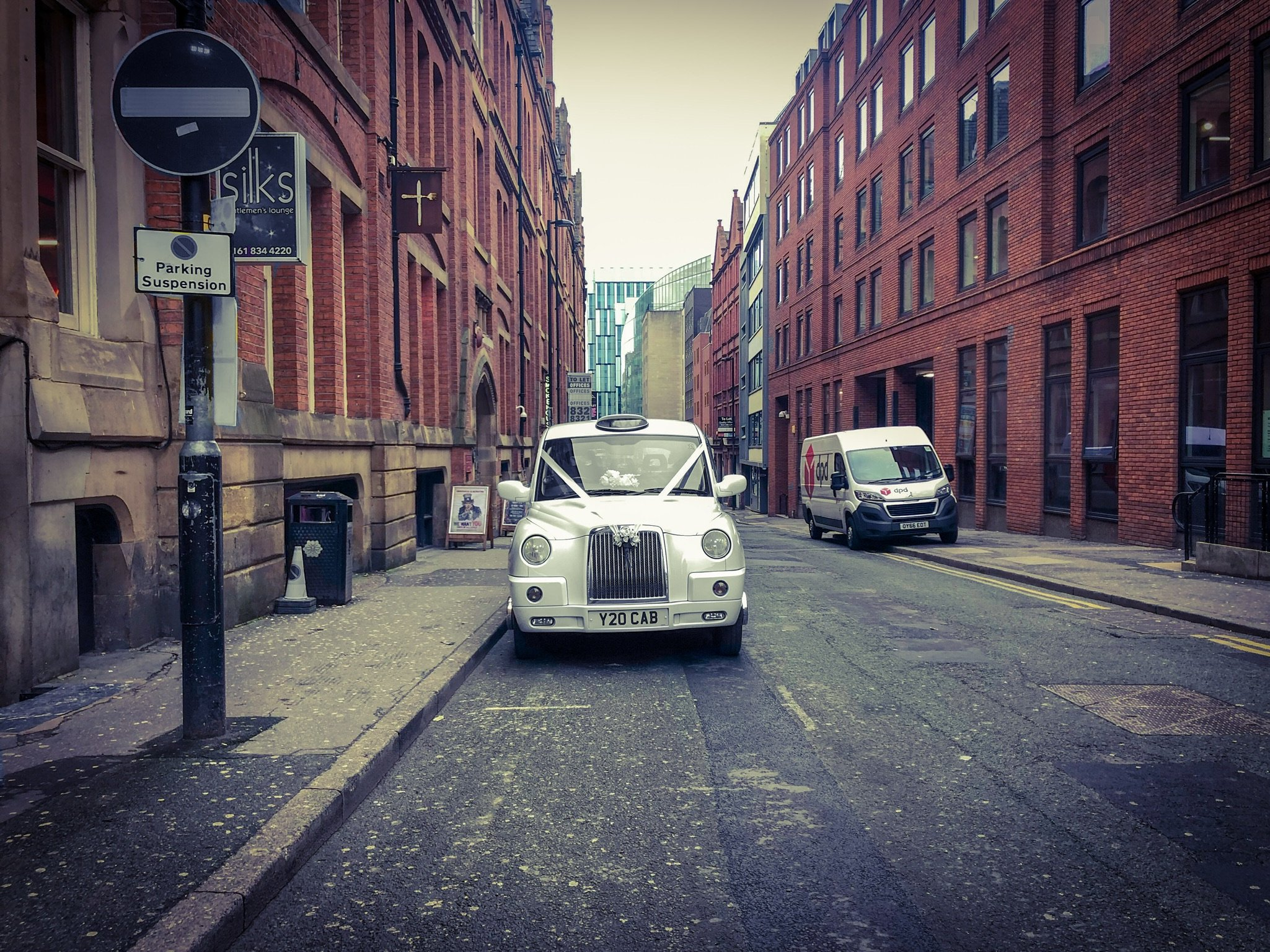 wedding car lloyd street manchester