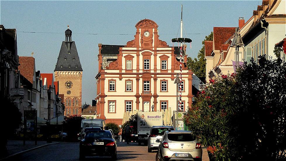 """Die Alte Münze - das """"Neue Kaufhaus am Markt"""" steht seit 1748 an der Stelle der Alten Münze."""