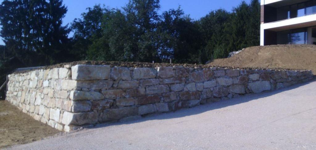 https://0501.nccdn.net/4_2/000/000/076/de9/Wurfsteinmauer--24--1024x487.jpg