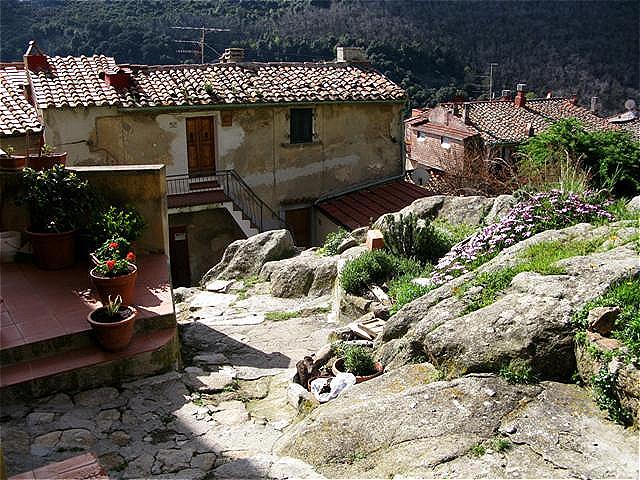 Die alten Häuser sind auf Granit gebaut