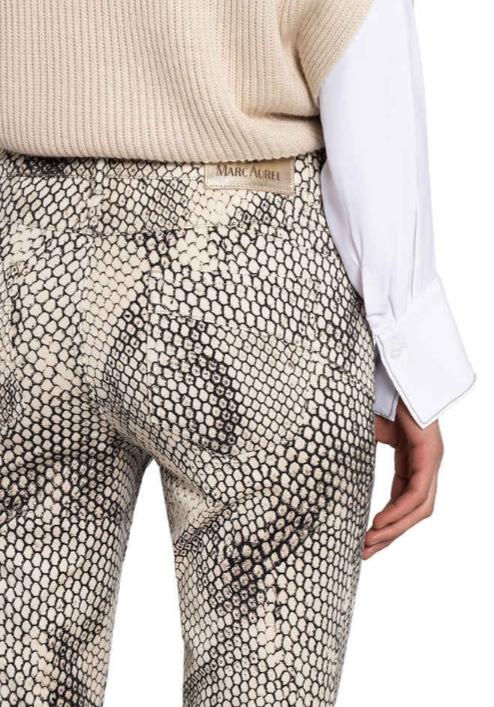 https://0501.nccdn.net/4_2/000/000/076/de9/casazza-damenmode_marc-aurel_skinny-jeans_2.jpg