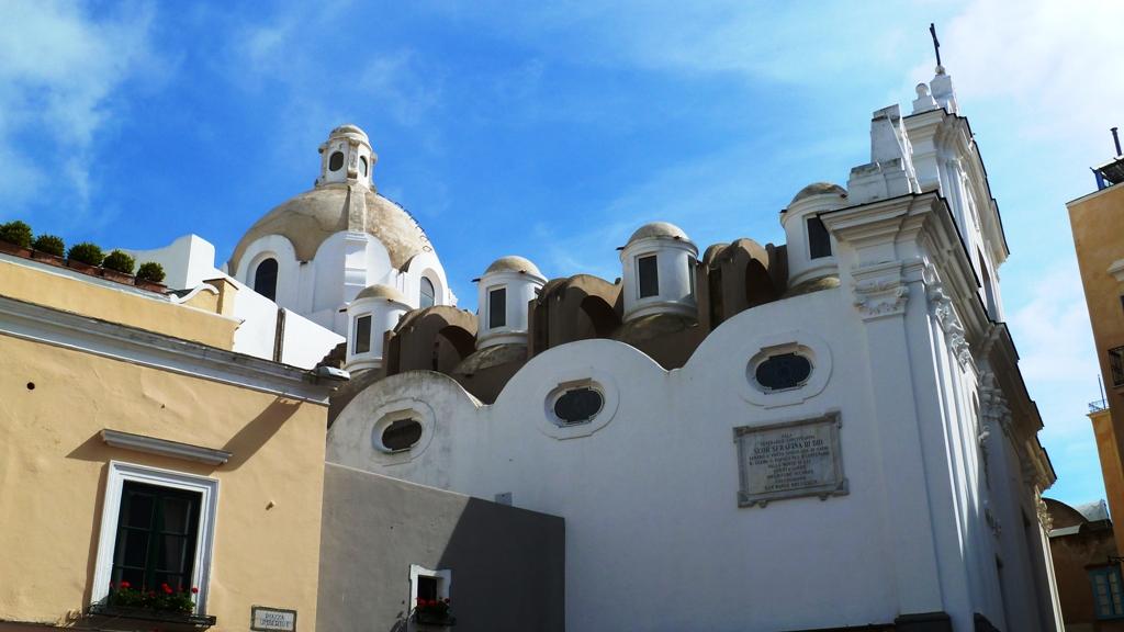 Kirche auf der Piazza Umberto