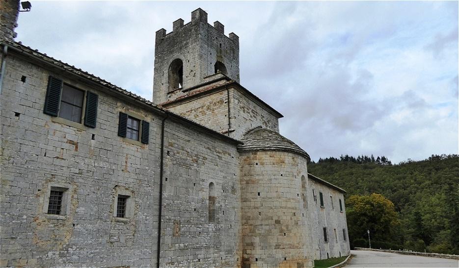 """Badia a Coltibuono -  """"Abtei der guten Ernte"""" ist ein ehemaliges Kloster in der Nähe von Gaiole in Chianti in der Toskana. Benediktinermönche begannen 1051 mit dem Bau des Klosters"""