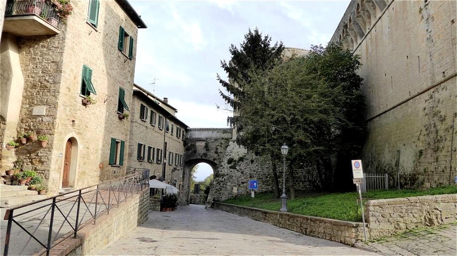 Porta a Selci -  am Ende der Via di Castello