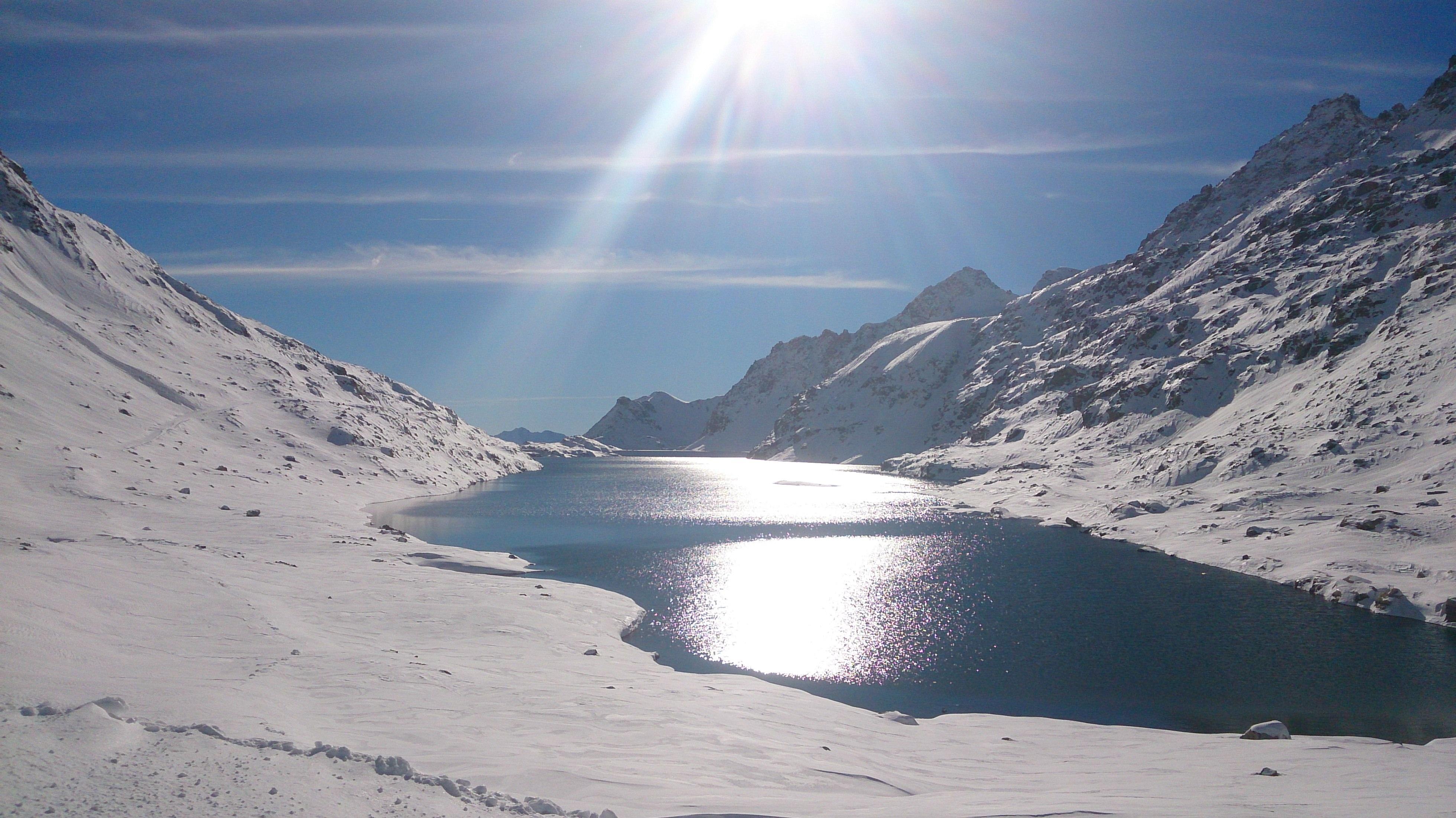 https://0501.nccdn.net/4_2/000/000/07d/95b/gletscher--7--3920x2204.jpg