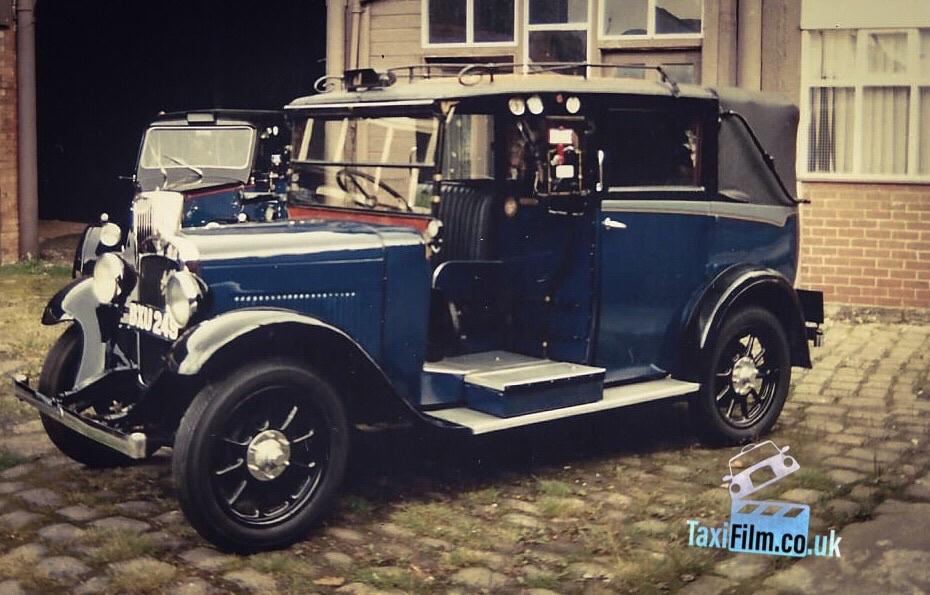 Blue Austin Taxi 1935, Bolton ref B0308