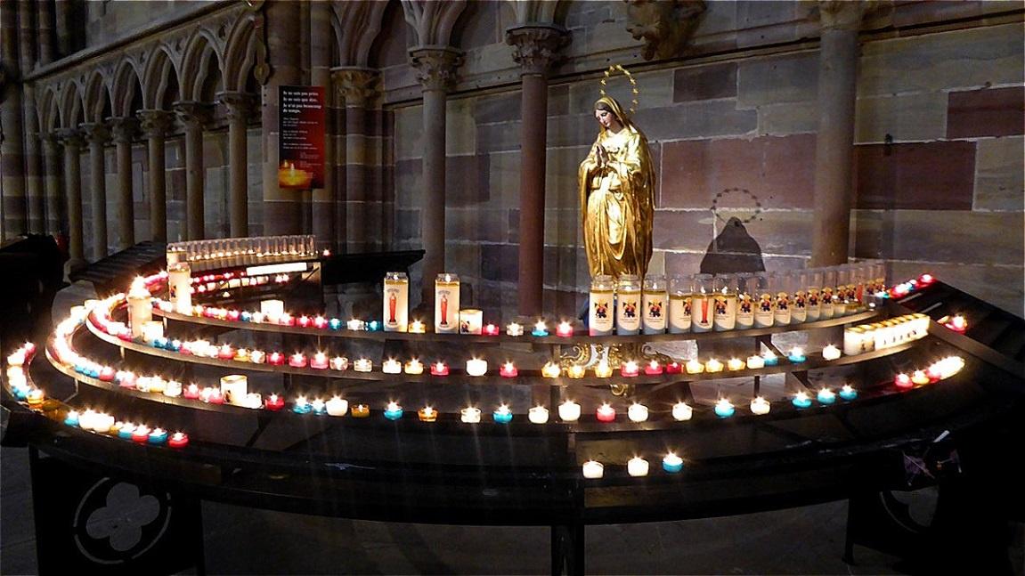 Im Inneren der Cathédrale Notre-Dame de Strasbourg