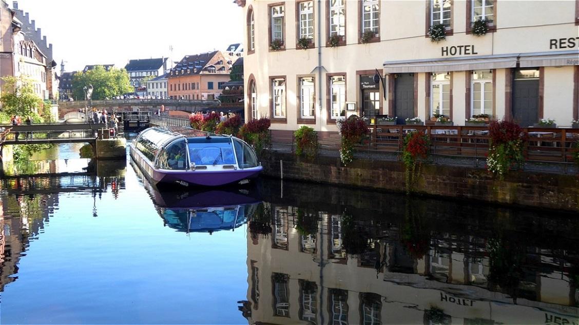 Stadtrundfahrt mit dem Boot