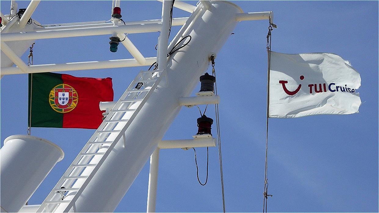 Die portugiesische Flagge ist gesetzt !