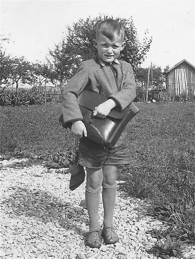 1. Klasse - schreiben mit Griffel und Schiefertafel - 1954