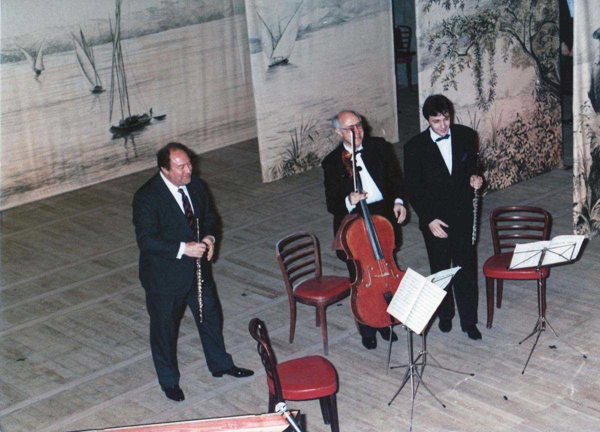 Avec Jean-Pierre Rampal et Mstislav Rostropovitch (Festival d' Evian 1989) Photo Studio Ouchy  - Lausanne