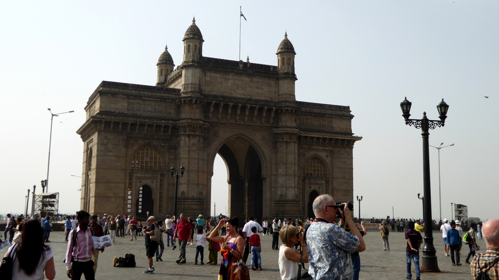 Vor dem Gateway of India