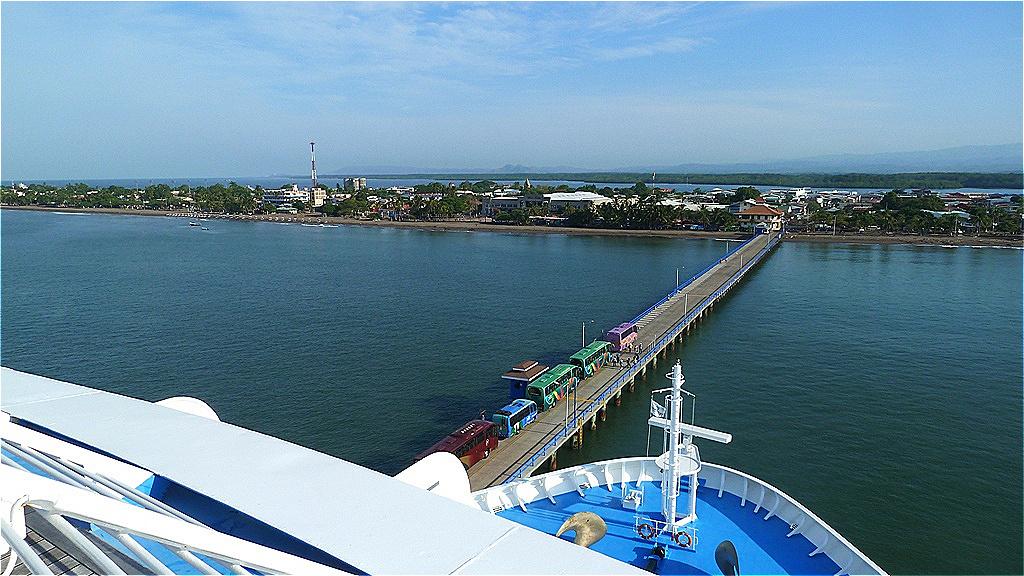 Am Pier von Puntarenas