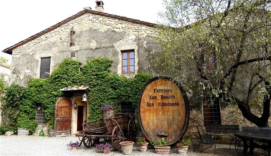 Rast im Hof des Weingutes