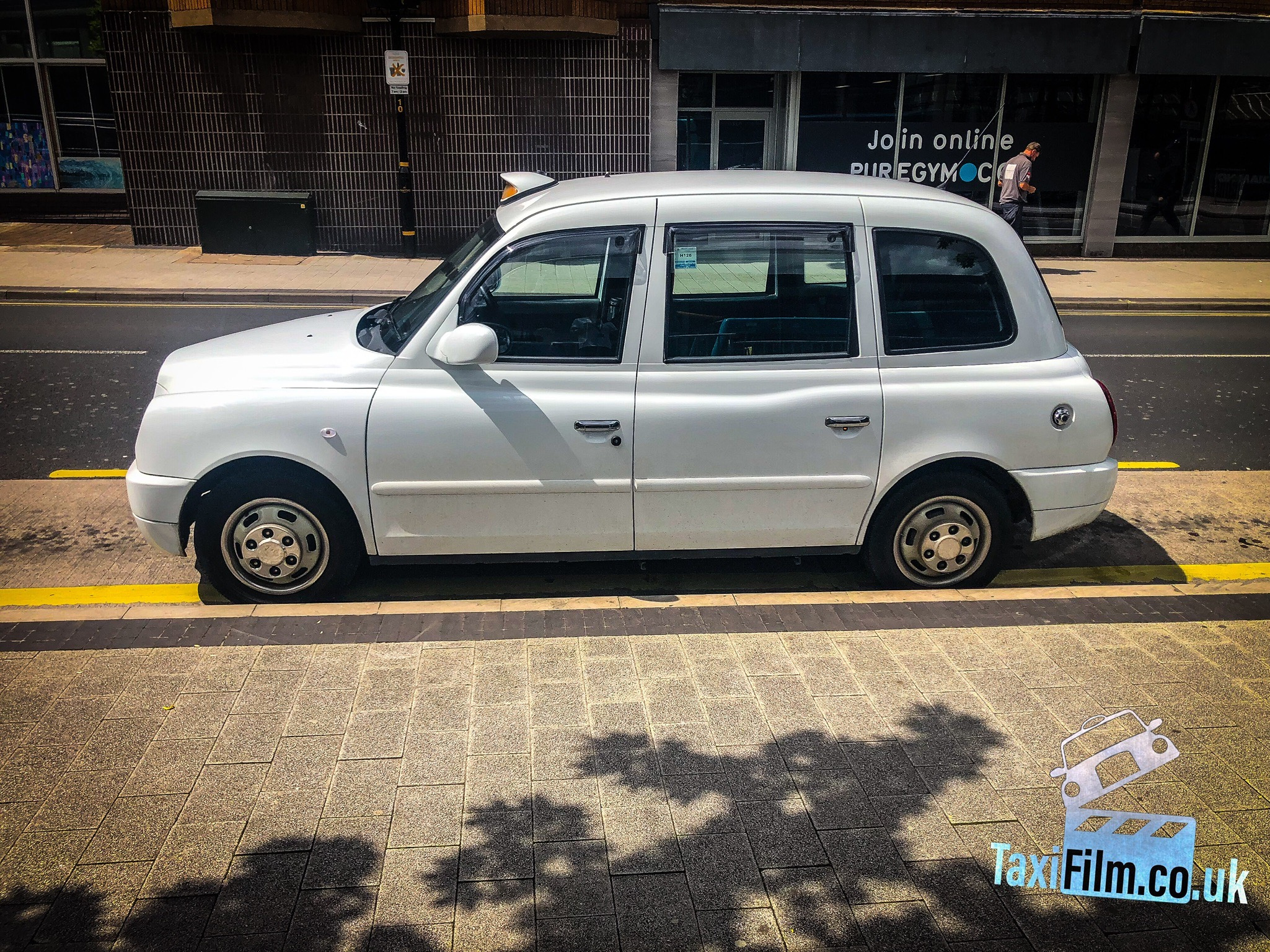 White Tx4 Taxi, ref 0007 action car