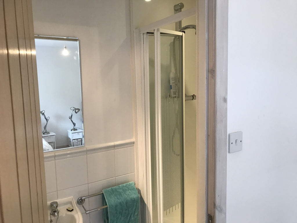Ensuite for Twin 1