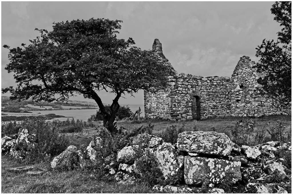 1st Place: Ruin on the Bay (Fraser Johnston)