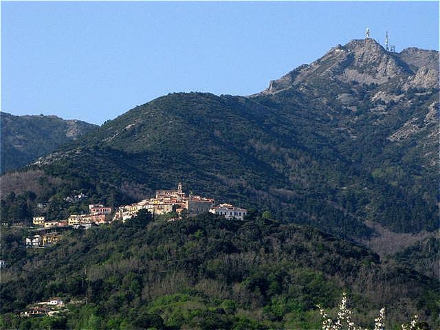 Poggio (Marciana)  mit dem Monte Capanne