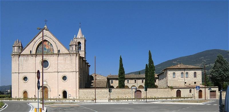 """Im Santuario di Rivotorto befindet sich überbaut  die """"Heilige Hütte"""""""