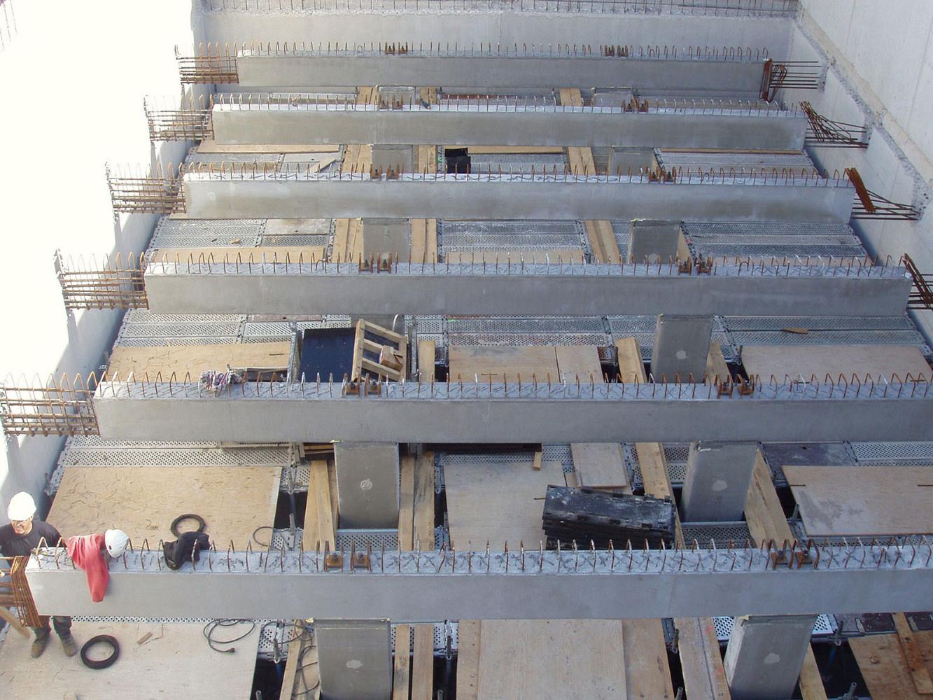 Poutres & poteaux - Station d'épuration de Marseille